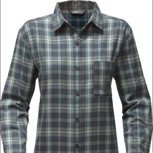 🆕 North Face Blue Gray Plaid Womens Large